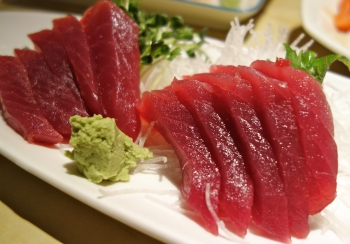 A nutritionist tells us what to order from a sushi menu for Calories in tuna fish