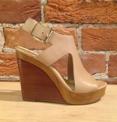 summer wedge kors