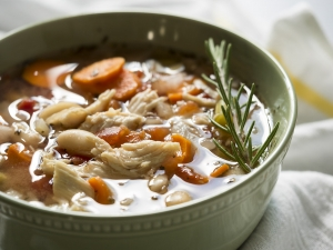 tuscan_chicken_soup_feature