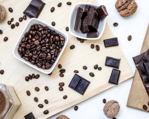 15 Healthy Ways to Sweeten and Flavor Your Coffee