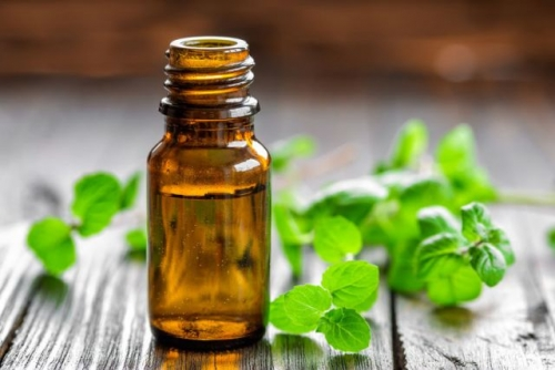 Essential Oils to Improve Mood and Reduce Stress