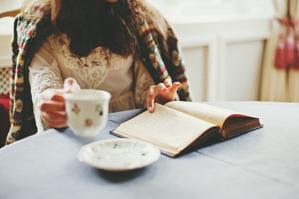 The 5 Best Books for Your Break: The List You Need to Curl up With