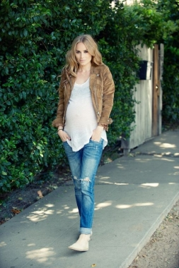 5 pair of maternity jeans