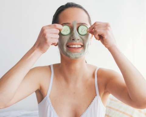 4 DIY All-Natural Facial Masks to Keep Your Skin Glowing This Winter
