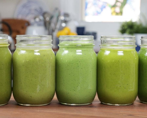 6 Ingredients to Add to Your Green Smoothie for a Boost of Energy