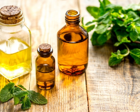 3 Best Essential Oils For Your Hair