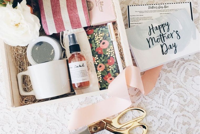 7 Things To Do For Your Mom On Mother S Day Instead Of Buying A Gift The Daily Crisp